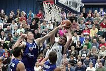 Z utkání BC Kolín - Poděbrady (94:66).