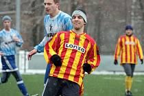 Z utkání Kouřim - Sázava (2:0) na zimním turnaji v Kostelci nad Černými lesy.