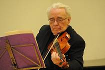Prvním letošním Abonentním koncertem zahájilo svoji již 49. sezónu kolínské smyčcové kvarteto Collegium Musicum