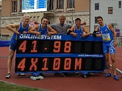 Kolínská štafeta juniorů získala na MČR zlaté medaile.