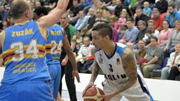 Z utkání BC Geosan Kolín - Jindřichův Hradec (65:79).