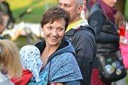 Plaňanské Hemžení začalo v pátek pohádkami. Pak následovaly lety balonem.