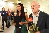 Profesionální kurátorka uspořádala výstavu svému malířskému dědečkovi