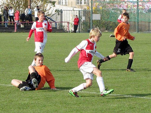 Z utkání mladších žáků Slavia Praha B - FK Kolín (6:1).