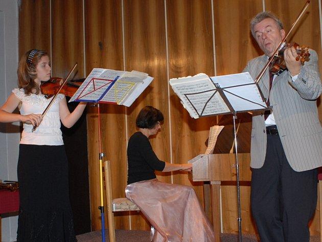Koncert Jaroslava Svěceného.