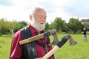 Ve Velkém Oseku vrhali nože i sekery