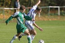 Z utkání fotbalové I. A třídy Zásmuky - Polepy (2:2).