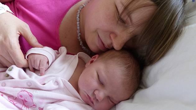 Barbora Churavá se narodila 4. ledna 2020 v kolínské porodnici, vážila 4160 g a měřila 52 cm. V Kutné Hoře - Malíně bude bydlet s bráškou Jakubem (2) a rodiči Danielou a Zdeňkem.