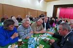Ze setkání hasičů - seniorů v sokolovně v Klučově.