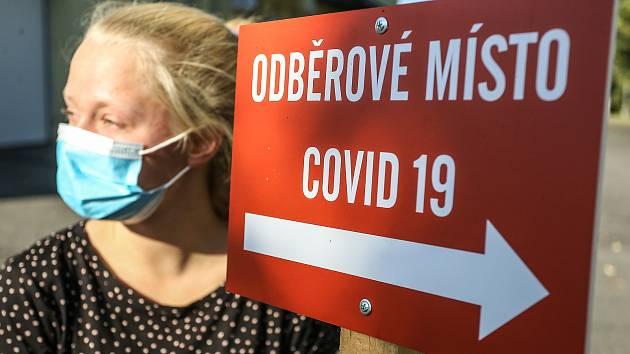 Na semaforu Havlíčkobrodska zasvítí oranžová. Školy v kraji zůstávají otevřené