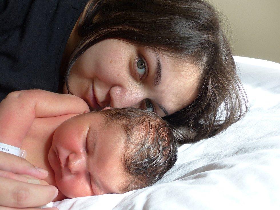 Lukáš Pos se narodil 17. června 2021 v kolínské porodnici, vážil 4370 g a měřil 54 cm. V Miskovicích bude vyrůstat s maminkou Zlatou a tatínkem Lukášem.