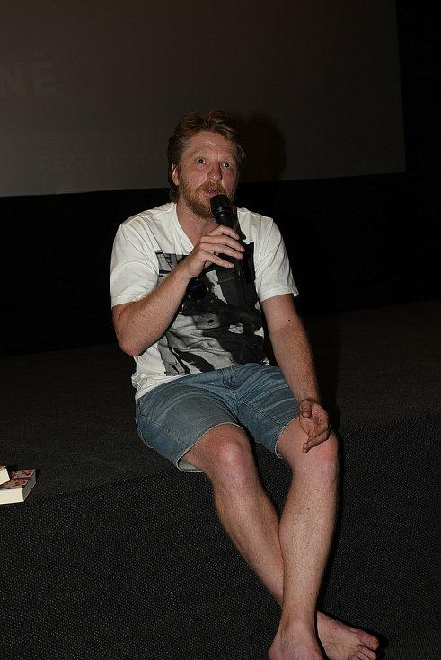 Beseda v kolínském kině o filmu Bábovky