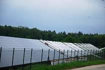 Solární elektrárna u obce Hradešín