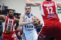 Z utkání BC Geosan Kolín - Pardubice (78:117).