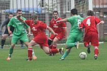Z utkání Konárovice - Bečváry (1:1).