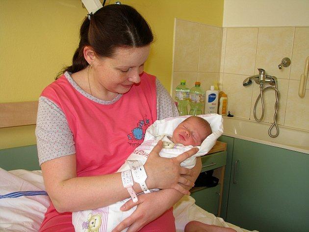 Prvním miminkem roku 2013 narozeným v kolínské porodnici je Nela Burešová ze Kbelu
