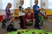 Zvuky staroslovanských píšťal se nesly školkou