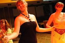 Sál Městského společenského domu zaplnily malé i velké břišní tanečnice