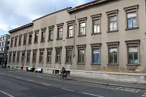 Budova bývalé okresní vojenské správy na náměstí Republiky v Kolíně.