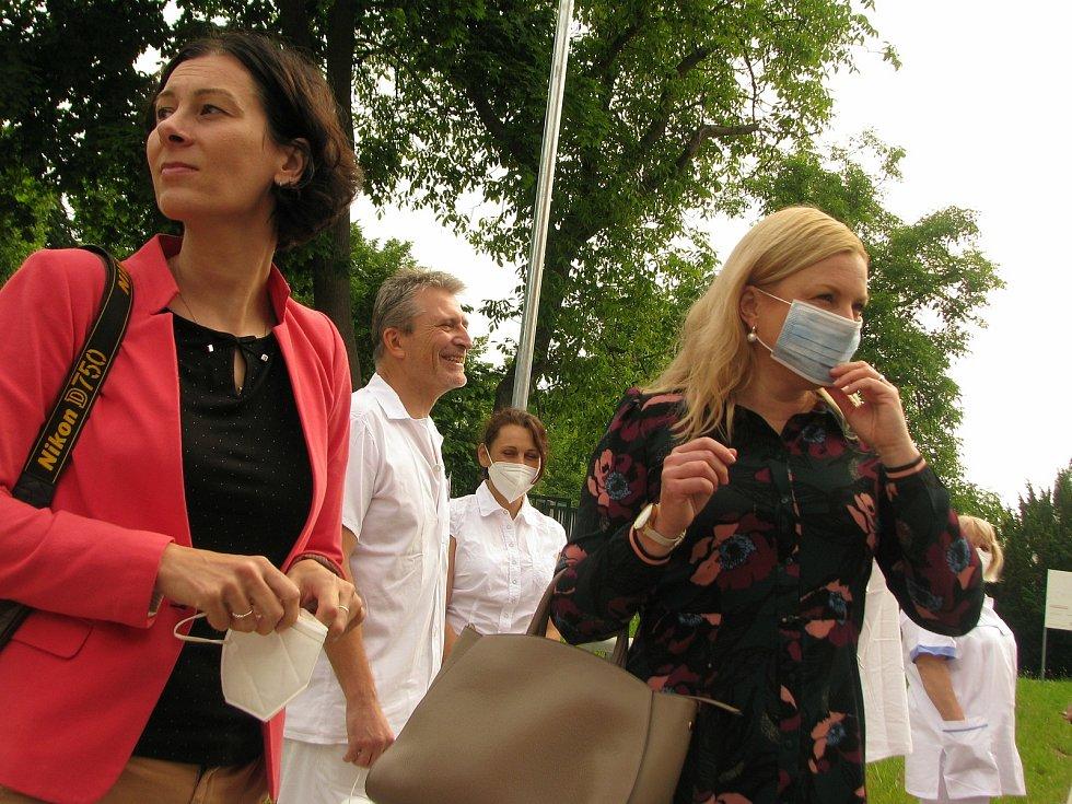 Ze slavnostního otevření ústavní lékárny v Oblastní nemocnici v Kolíně.