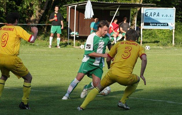 Z fotbalového zápasu I.A třídy Zásmuky - Zeleneč (0:0)