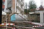 Ze slavnostního poklepu na základní kámen nového pavilonu D Oblastní nemocnice Kolín