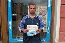 Cenu za pracovně zaneprázdněného kamaráda převzal Libor Peška.