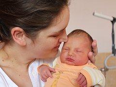 Eliška Strnadová, která se narodila 26. června 2017, je prvorozenou dcerou Elišky a Radka z Úval. Po porodu vážila 3840 gramů a měřila 51 centimetr.
