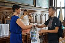 Celkem šestnáct dětí z Ukrajiny přivítala místostarostka Iveta Mikšíková na kolínské radnici.