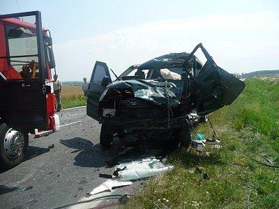 Smrtelná nehoda se stala u Libenic.