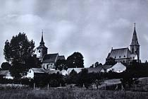 Dominantami městyse Plaňany jsou kostel Zvěstování Panny Marie a kostel sv. Jana Křtitele.