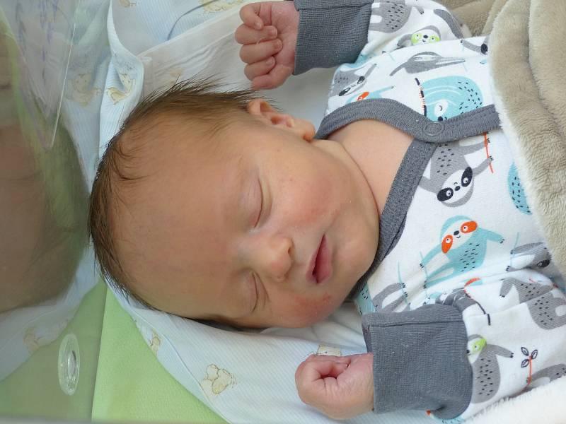 Michal Černý se narodil 1. října 2021 v kolínské porodnici, vážil 3150 g a měřil 49 cm. V Nehvizdech bude vyrůstat se sestřičkou Eliškou  (2.5) a rodiči Zdeňkou a Michalem.