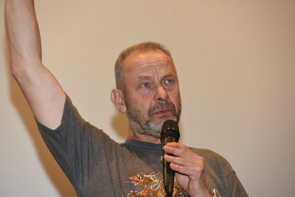 Strhující film Nabarvené ptáče v kolínském kině uvedl jeho autor Václav Marhoul.