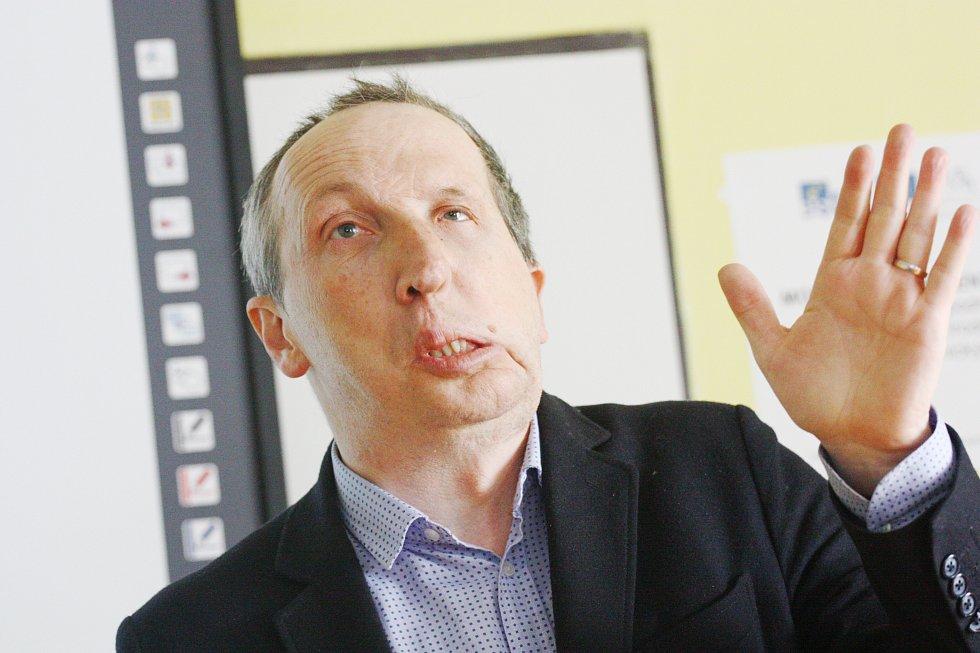 Klaus Ml: Václav Klaus Ml. Besedoval Se Studenty