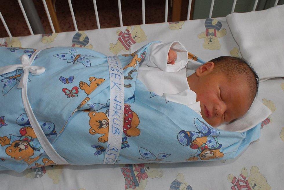 Jakub Vojtíšek, vážící 3 500 gramů a měřící 51 centimetr, přišel na svět 11. září coby prvorozený. Rodiče Michala a Karel si jej odvezli do Kolína.