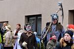 Jasnou převahu v maskách měli jednoznačně vodníci, kteří přispěli k dobré náladě také svým pojízdným orchestrionem.