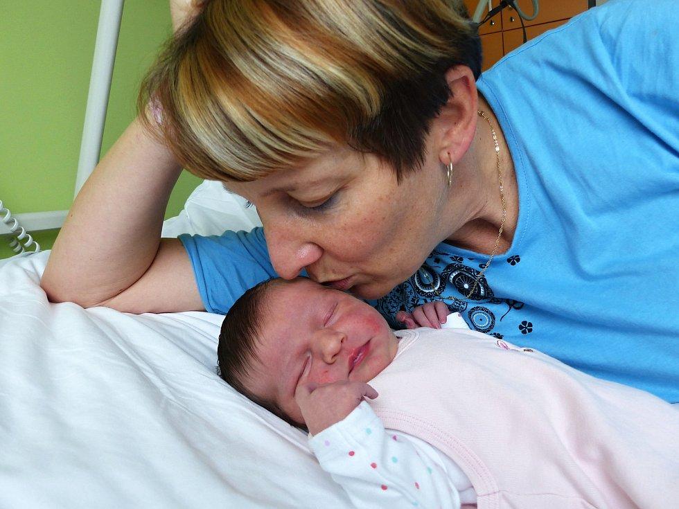 Julie Eva Matysová se narodila 2.12.2018, vážila 3465 g a měřila 49 cm. V Písku u Chlumce nad Cidlinou ji přivítá sestřička Sofie Karolína (2) a rodiče Zuzana a Václav.