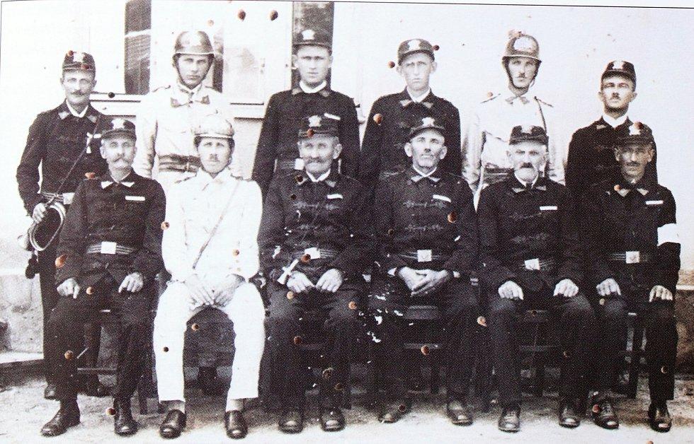 Sbor dobrovolných hasičů v Hradešíně se podílel i na nočních hlídkách během první světové války.