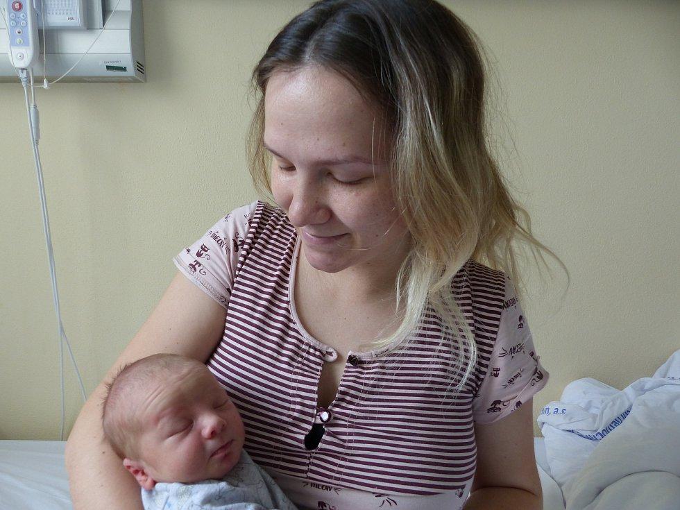 Dmitriy Kolebidenko se narodil 25. června 2021 v kolínské porodnici, vážil 3130 g a měřil 49 cm. V Kolíně se z něj těší maminka Tetiana a tatínek Bohdan.