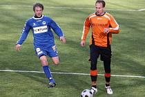 Bedřich Franc (vpravo) v přípravném fotbalovém utkání Kolín - Liberec B.