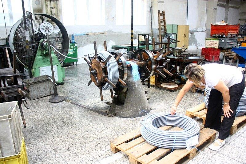 Nejstarší technologie v podniku na výrobu ocelových ohebných trubek