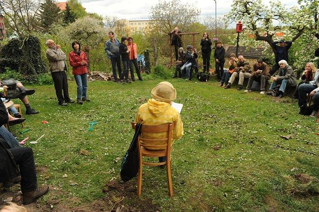 Oslava Dne Země byla plná výtvarna, poezie a hudby.