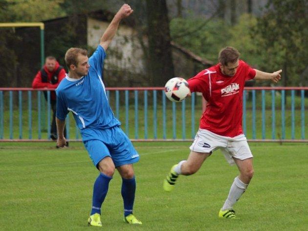 Z utkání Jestřabí Lhota - Tuchoraz (1:2).
