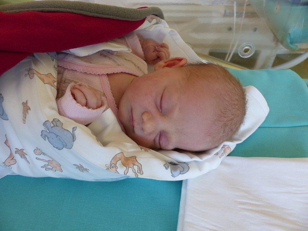 Izabell Kloudová se narodila 7. srpna 2019 v Kolíně. Vážila 2885 g a měřila 48 cm. V Kutné Hoře se z ní těší sestřičky Zoe (5), Ella (2) a rodiče Nelly a Miroslav.