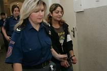 Sandra Lakatošová míří na lavici obžalovaných