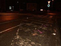 Neznámý řidič srazil dvě chodkyně na křižovatce ulic Masarykova a Žižkova v Kolíně a z místa ujel.