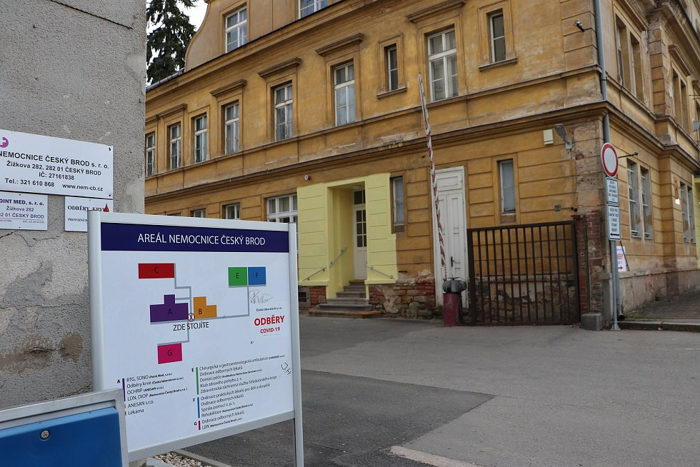 V areálu Nemocnice v Českém Brodě.