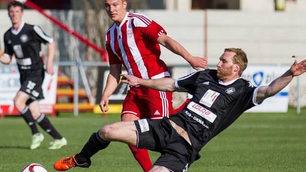 Z utkání Brozany - FK Kolín (0:1).