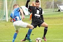 Z utkání Čáslav - FK Kolín (2:1).