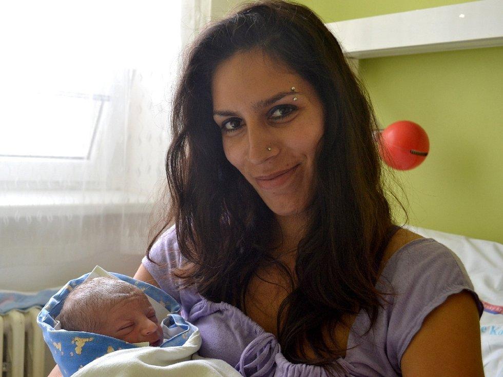 Marek Mikuš se narodil 26. června 2014 mamince Jarmile a tatínkovi Josefovi z Peček. Po narození se chlubil výškou 46 centimetrů a váhou 3100 gramů. Dětským světem ho provede dvouapůlletý bráška Josífek.